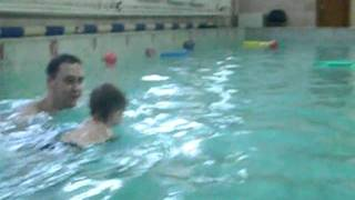 Плавание с рождения под водой.mpg