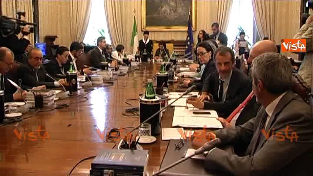 Camera ufficio presidenza riunione su taglio vitalizi for Ufficio presidenza