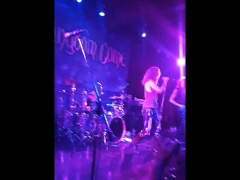 KINGDOM COME kick off 30th Anniv tour in Seattle - fan filmed video Shout it out posted..!