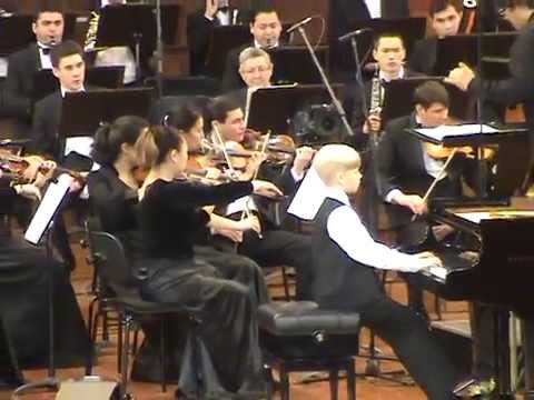 видео: Alexander Malofeev -- E.Grieg. Piano concerto in A minor