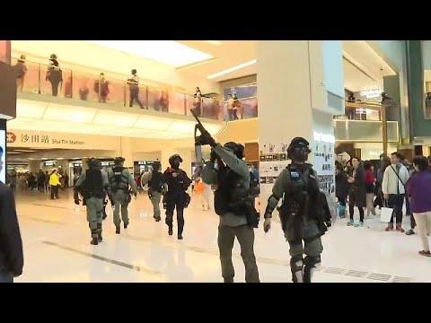 Protestos em centros comerciais de Hong Kong