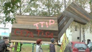 Demo gegen TTIP, CETA, TiSA & Co – Linz 2014-10-11 - Impressionen