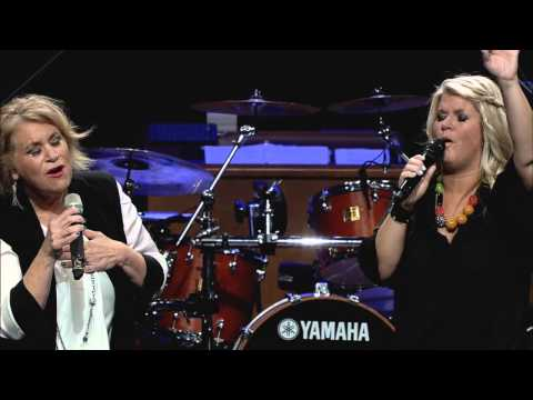 Natalie Grant & Sandi Patty:  Tis So Sweet To Trust in Jesus