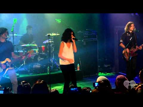 Selena Gomez - Naturally (Live at iheartradio)