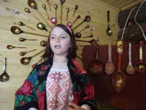 Изображение предпросмотра прочтения – АлинаБезногих читает произведение «Во кузнице» (Русский фольклор )