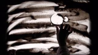 【開催日時】2015年5月4日(月・祝)14:00~16:30 砂をつかったパフォーマンスにチャレンジ! 砂と手だけで表現される幻想的な映像を、大きな画面...
