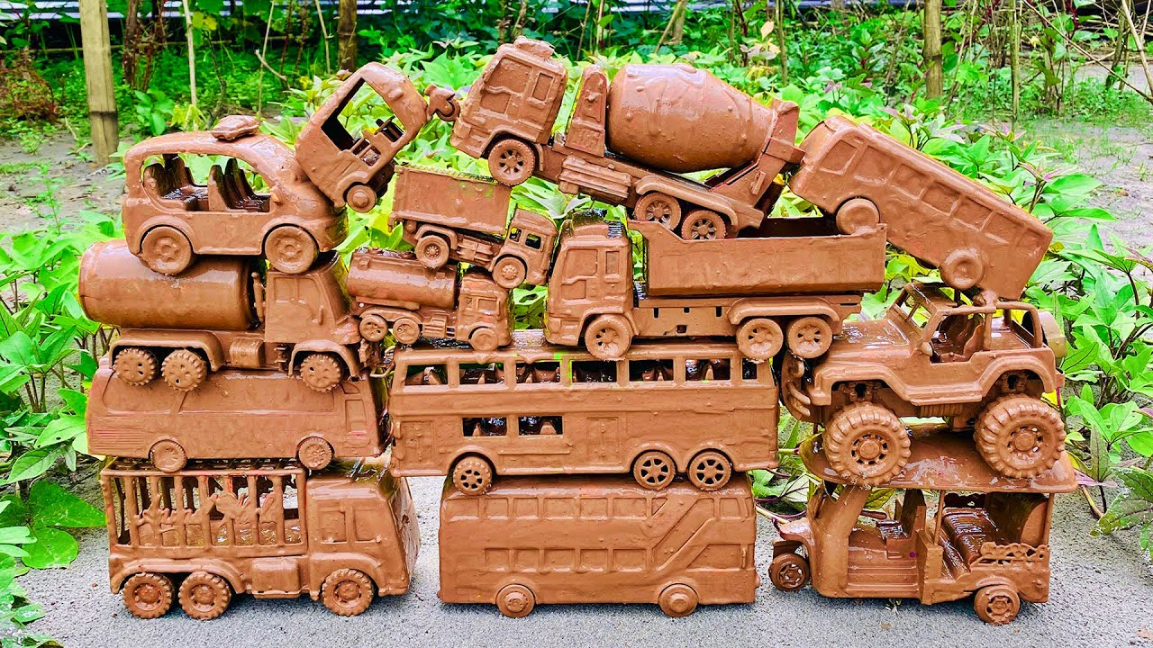 Cleaning Muddy Toy Vehicles, Double Decker Bus, Dump Truck, Construction Truck, Auto Rickshaw & ETC