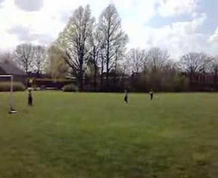 Foxhol,drie toppers op het veld