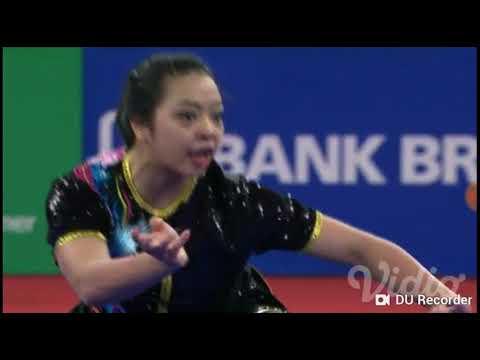Atlet Wushu Putri Yg Gerakannya Sangat Bagus Dan Sempurna