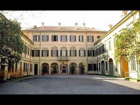 Le residenze di berlusconi youtube for Interno ville foto