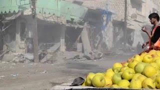 Rus uçakları İdlib'de pazar yerine saldırdı