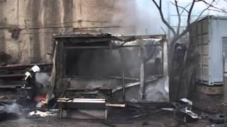 В пожаре на Крыгина взорвались баллоны с пропаном(, 2014-04-10T05:51:16.000Z)