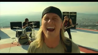 Puddle Of Mudd - Drift And Die (Official Video)