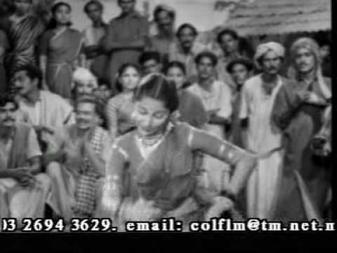 Yaeru pooti povaaye anne sinnane   Kaalam maari pochu  WAHIDA REHMAN in tamil song
