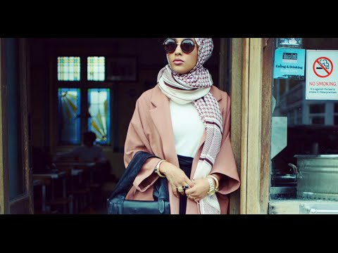 H&M Hijab-Wearing Model is Changing Fashion for the Better