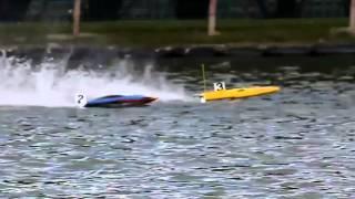 RC Powerboat Racing: Crash Compilation