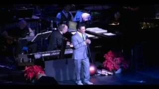 Johnny Mathis - Christmastime is here / When a Child is born LIVE 2010