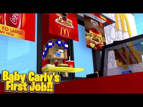 BABY CARLY'S FIRST EVER JOB! (Minecraft Roleplay).