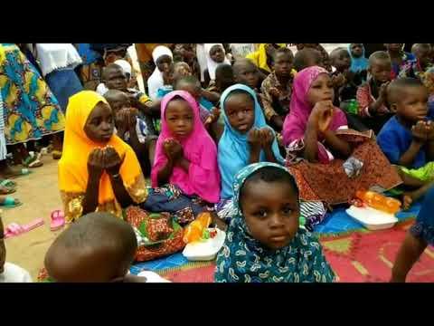 شاهد كيف استطاعت الزاوية الكركرية أن ترسم فرحة العيد على دور الأيتام بجمهورية الطوغو