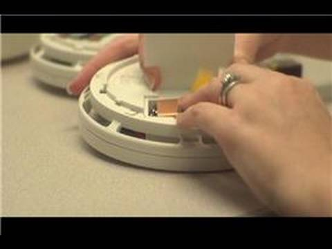 home fire safety how to change smoke detector batteries youtube. Black Bedroom Furniture Sets. Home Design Ideas