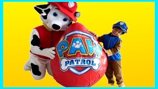 Repeat youtube video PAW PATROL GIANT EGG SURPRISE Toys Nickelodeon Opening Surprise Toys PAW Patrol Toys Videos IRL