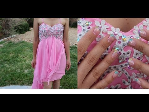 perfect-prom-nails-&-vponsale-dress!