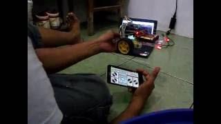 Mobil Arduino + Kamera Dengan Kontrol Bluetooth