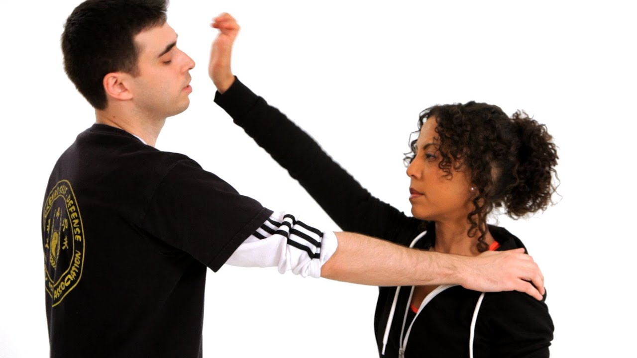 basic self defence techniques Self defense techniques self defense weapons knowing some basic self defense techniques is great, but sometimes your safety has to be a bit more proactive.