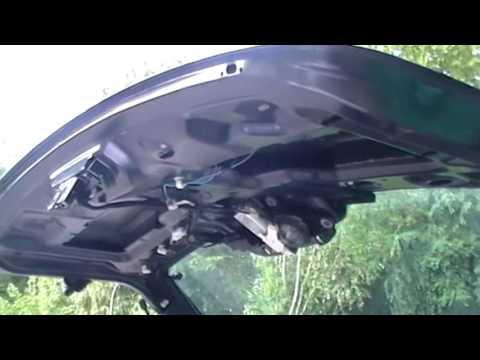 Renault Megane II - Замок багажника / Kofferraumschloß