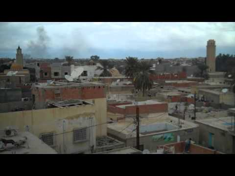 Tunisia Riots, Tozeur, Jan11-Jan13, 2011.mp4