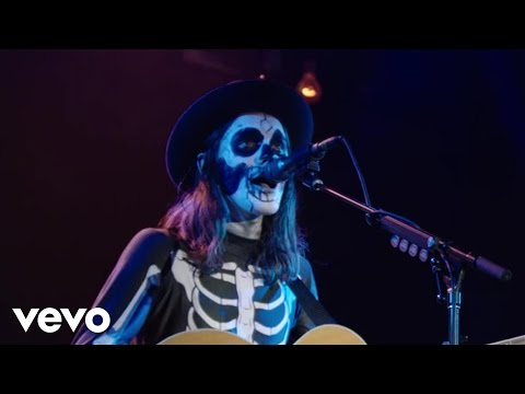 James Bay - If You Ever Want To Be In Love (Live at #VevoHalloween 2015) (Vevo UK)