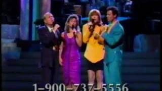 Mary Wilson of the Supremes introduces The Manhattan Transfer (Cher...