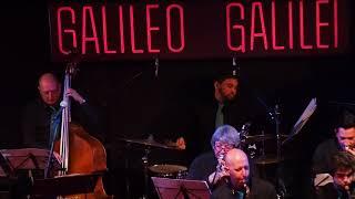 Baixar San Patricio Big Band - Caribbean Dance (Victor López)