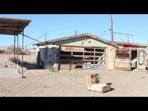 ABANDONED - Post Apocalyptic Desert Town : Dead Fish & Pets