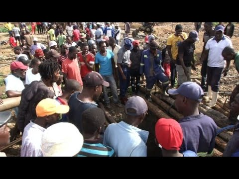 23 feared dead in flood at disused Zimbabwe gold mine