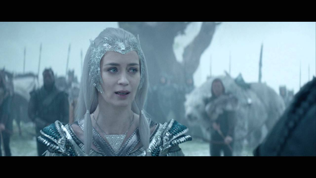 Le Chasseur Et La Reine Des Glaces Extrait Apportez Moi Le Mirroir Vf Au Cinema Le 20 Avril Youtube