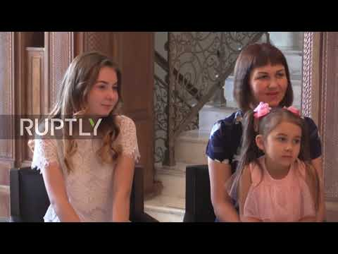 Syria: Families of Russian soldiers killed on duty meet the Assads