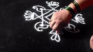 Drawing simple kolam 5 dots rangoli design | Sudha Balaji