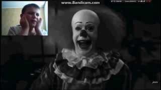 СТРАШИЛКИ НА НОЧЬ. Страшная история. Клоун. Видео с веб камерой(Как дети смотрят ужасы? Наглядный пример с веб камерой), 2015-09-09T19:25:01.000Z)