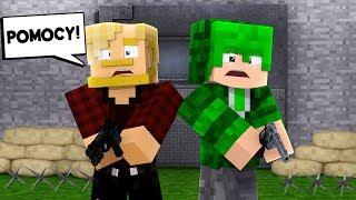 ZAMKNĘLIŚMY SIĘ W SCHRONIE! DZIEWCZYNY ATAKUJĄ! l Minecraft BlockBurg