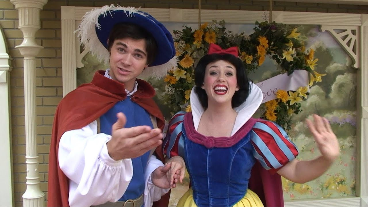 where to meet snow white at disneyland