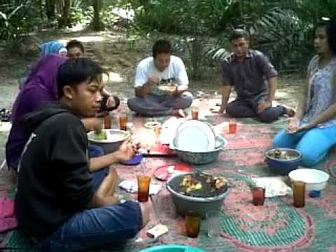 makan dihutan Travel Video