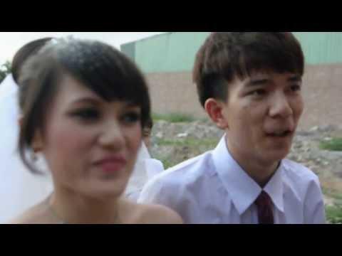 nu hon ngot ngao cua doi tan vo chong lam day song cong dong mang o lang dong ky
