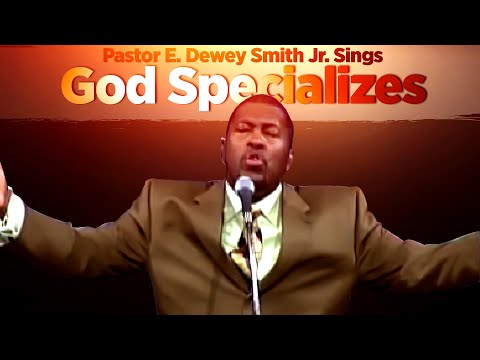 'God Specializes'(Ricky Smiley Favorite)- Pastor E.Dewey Smith Jr. Singing Hymn Old School Saints