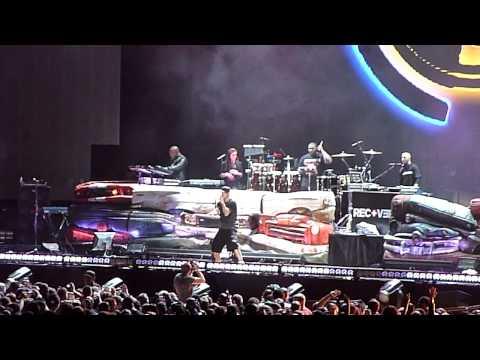 Eminem -  Forever (Drake) - Live at Yankee Stadium 9/13/10
