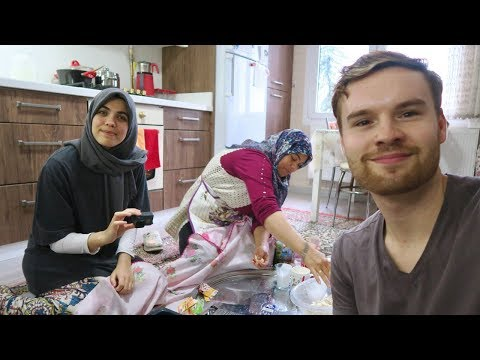 LIVING WITH A TURKISH FAMILY IN IZMIR 🇹🇷
