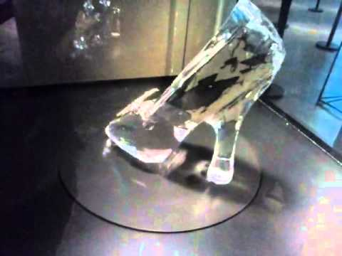 Zapatilla de cristal-Cenicienta. De Disney - YouTube 04531acbc503