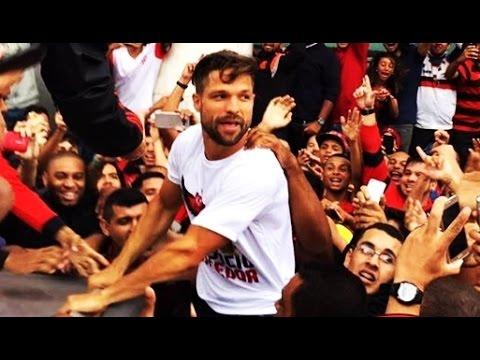Confira como foi a chegada de Diego Ribas, meia do Flamengo, ao Rio de Janeiro