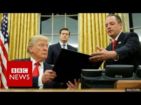 Donald Trump's team in fresh war of words with US media - BBC News