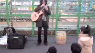 An awesome, brilliant and astounding Japanese street guitarist who ...